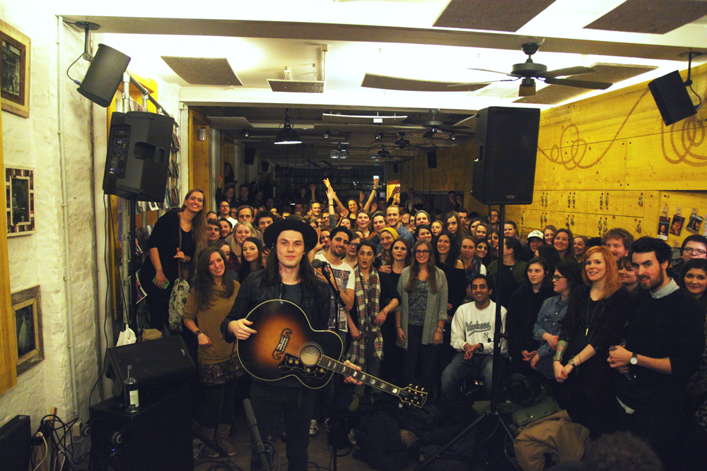James Bay Soundkuchen Superbude Hotel Hostel Hamburg Selfie 1