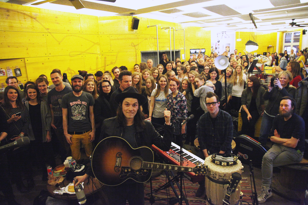 James Bay Soundkuchen Superbude Hotel Hostel Hamburg Selfie 2